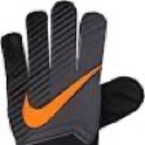 NWT  Nike Youth Unisex GoalKeeper Gloves Size 4